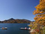 中禅寺湖の紅葉3
