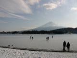 凍結した河口湖